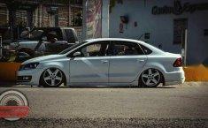 Volkswagen Vento confortline con extras-9