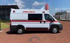 Ambulancia Ram Promaster-5