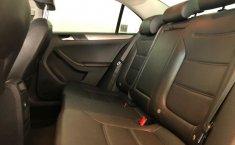 Volkswagen Jetta A6 Sportline-5