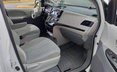 Toyota SIENNA 2014-5