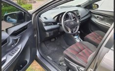 Toyota Yaris Hatchback S CVT Impecable-0