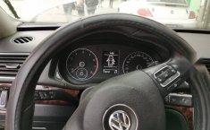 Volkswagen Passat 2013-0