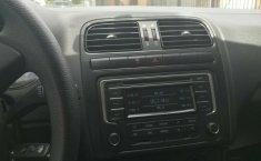 Excelente Volkswagen Vento diesel 2014, unico dueño trato directo-10