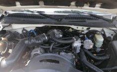Chevrolet Silverado Pick Up con caja seca-4