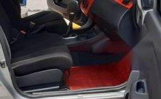 Nissan Tiida Vendo o cambio por pick up 4 cil-8