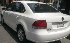 Excelente Volkswagen Vento diesel 2014, unico dueño trato directo-8