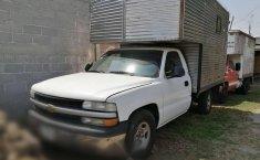 Chevrolet Silverado Pick Up con caja seca-3
