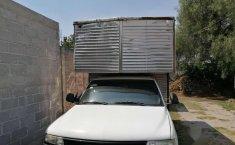 Chevrolet Silverado Pick Up con caja seca-2