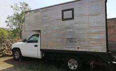 Chevrolet Silverado Pick Up con caja seca-1