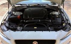 Jaguar XE Prestige-11