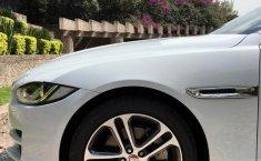 Jaguar XE Prestige-7