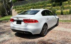 Jaguar XE Prestige-5