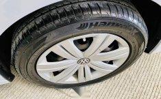 Volkswagen Jetta MK6 2.0 Standard-1