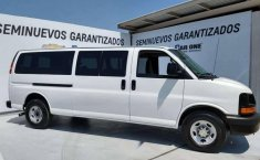 Chevrolet Express Van 15 Pasajeros-2