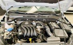 Volkswagen Jetta MK6 2.0 Standard-0