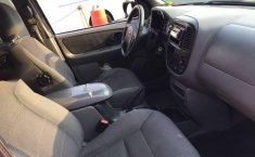 FORD ESCAPE 2002 XLT 4X2-10