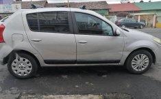 Renault Sandero 2-5