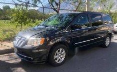 Vendo minivan  Chrysler Town & Country - 2011, cochera-0
