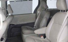 Toyota Sienna-13