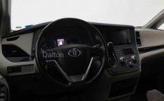 Toyota Sienna-12