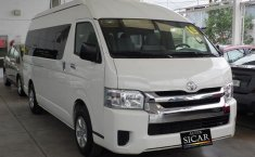 Toyota Hiace-18