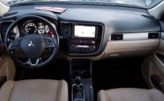 Mitsubishi Outlander-12