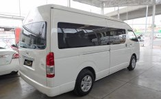 Toyota Hiace-10
