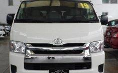 Toyota Hiace-4