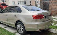 Volkswagen Jetta impecable-3