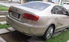 Volkswagen Jetta impecable-1
