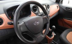 Hyundai Grand i10-10
