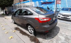 Ford Focus Sedan SE At Ac \-1