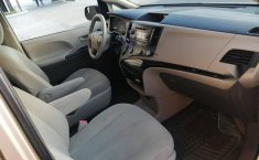 Toyota Sienna 2014 como nueva placas de Jalisco-2