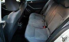 Volkswagen Jetta MK6 4 cil. Único Dueño-8