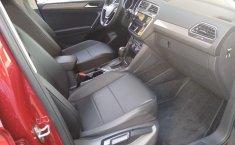 Volkswagen Tiguan Comfortline 5 asientos-10