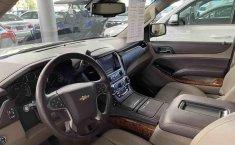 Chevrolet Suburban 2015-8