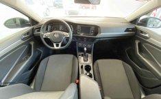 Volkswagen Jetta 2019 4p Trendline L4/1.4/T Aut.-11