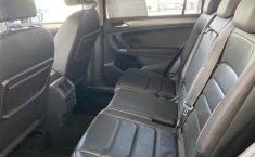 Volkswagen Tiguan 2019 5p Comfortline L4/1.4/T Aut Piel.-11