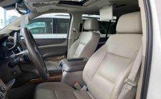 Chevrolet Suburban 2015-6