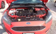 Ford Focus SE Hatchback-8