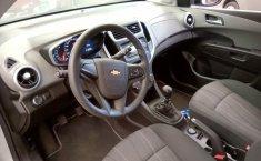 Chevrolet Sonic 2017 Plata-1