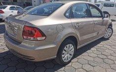 Se pone a la venta Volkswagen Vento-10