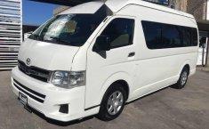 Toyota hiace 15 pasajeros 2013-6