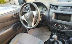 Nissan NP300 Pick Up-9