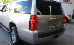 Chevrolet Suburban-18