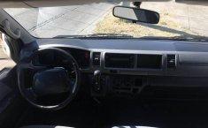 Toyota hiace 15 pasajeros 2013-4