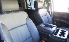 Chevrolet Suburban-15
