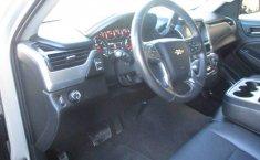 Chevrolet Suburban-14