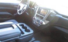 Chevrolet Suburban-6