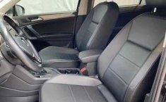 Volkswagen Tiguan Comfortline 5 asientos-2